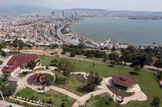 Bayraklı Belediyesi tarafından yapımı tamamlanan Teras Park, 13 Mayıs Cuma günü Yeni Türkü konseriyle kapılarını resmen açacak.