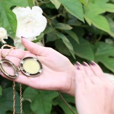 DIY Solid Perfume - could customize with any essential oils Homemade Skin Care, Diy Skin Care, Homemade Beauty, Diy Beauty, Diy Perfume Recipes, Homemade Perfume, Essential Oil Blends, Essential Oils, Diy Fest