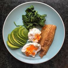 Fri-YAY breakfast on point  2 gooey poachies avocado spinach and smoked mackerel  Such a winning combination rich in #omega3 and other good fats  . . . Cal: 519 C:1g F:43g P:30g #friyay #breakfast #poachedeggs #yolkporn #foodporn #highfat #goodfats #highprotein #lowcarb #keto #ketogenic #paleo #paleodiet #paleolifestyle #healthy #healthyfood #healthyliving #cleaneating #eatclean #eatrealfood #organic #antiinflammatorydiet #arthritis #fit #fitfam #fitspo #fitfood #fitgirl - Inspirational and…