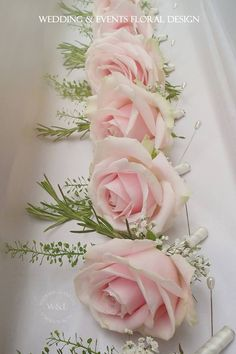 Sweet Avalanche Buttonholes.....thank youMeijer Roses, you make our job so easy! x
