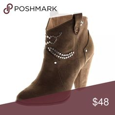 🆕List! Zara Trafaluc Western Ankle Boot! NEW! Vegan Brown Suede! Pull on styling. Studded. Heel is 5 inches. NEW without box. Zara Shoes Ankle Boots & Booties