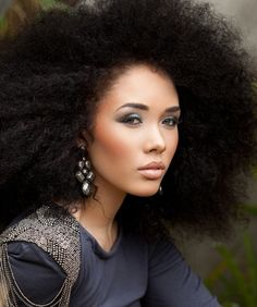 Click the image for Kreesha's natural hair photos and regimen