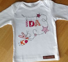Long sleeve shirt with applique elf and name. Nice to give away for birth, . - Long sleeve shirt with applique elf and name. Nice to give away for birth, baptism and birthday or - Freehand Machine Embroidery, Baby Embroidery, Free Motion Embroidery, Free Machine Embroidery, Embroidery Bracelets, Nursery Patterns, Diy Mode, Sewing Appliques, Shirt Quilt
