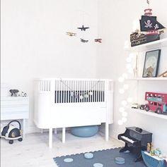 Stylish boys room featuring our #WoodenBus #LondonBus as part of the decor :) #WoodeToys #LeToyVan #BoysRoom #Nursery #Interiors