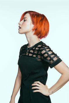 Mylla Christie Nude Photos 2019 - 2020 - Hot Leaked Naked Pics of Mylla Christie Hayley Williams Short Hair, Paramore Hayley Williams, Wwe Divas Paige, Female Pose Reference, Art Reference, Androgynous Haircut, Hair Flow, Long Brown Hair, Female Poses
