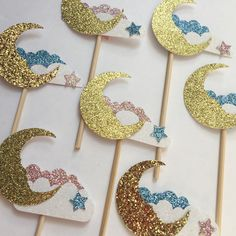 Twinkle twinkle little star cupcake toppers. Glitter gold moon, white glitter cloud, with pink or blue star. For a gender reveal, baby shower or Birthday party.  More @go_make_something