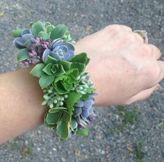 Etsy の Wrist corsage of succulents cuff style by bohemianbouquets