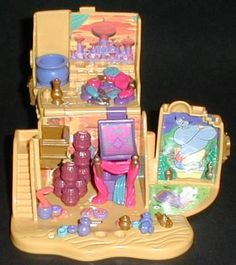 1995 - Aladdin Agrabah Marketplace - Bluebird Toys    Mattel #14196 Tiny Collection