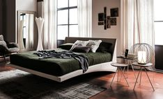 Dylan has been fashioned with soft Italian leather, projecting a look of opulence and restfulness in the bedroom space. The entire structure invites the sweetest dreams.