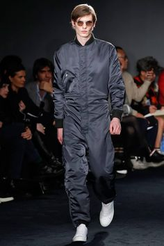 Jil Sander's storied inclination for sharp, clean lines find a somber voice in a military aesthetic for creative director Rodolfo Paglialunga's fall-winter 2016 men's collection. Taking a strong stand for the season, outerwear was front and center. Beginning with coats, impeccably tailored numbers were harnessed and paired with pleated trousers and leather footwear. Evolving the...[ReadMore]