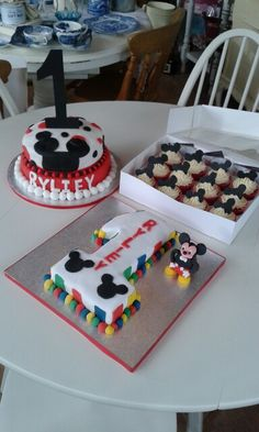 Mickey 1st birthday cakes www.chic-dreams.co.uk