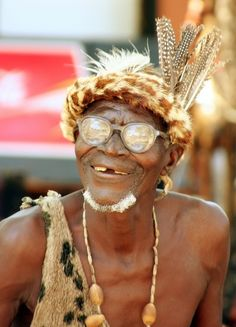 Happy old man at Victoria Falls, Zambia, Photography: Riëtte I Love To Laugh, Just Smile, Happy Old Man, Beautiful World, Beautiful People, Laughing Photos, Classroom Pictures, Man Photography, Great Smiles
