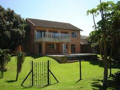 Shale Beach House - Shale Beach House is a great self-catering holiday home along the coast of Ramsgate. With direct access to the beach, it is ideal for summer. The house has three double bedrooms, one of which is en-suite. ... #weekendgetaways #margate #southafrica