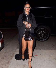 Rihanna Baby, Rihanna Riri, Bad And Boujee Outfits, Rihanna Street Style, Looks Rihanna, Rihanna Outfits, Girl Fashion, Fashion Outfits, Fashion Beauty