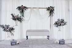 21 super ideas for wedding backdrop design simple backdrop design Simple Stage Decorations, Wedding Stage Decorations, Engagement Decorations, Backdrop Decorations, Diy Backdrop, Wedding Backdrop Design, Wedding Reception Backdrop, Reception Ideas, Wedding Venues