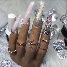 Beautiful Nail Designs To Finish Your Wardrobe – Your Beautiful Nails Glam Nails, Classy Nails, Fancy Nails, Bling Nails, Simple Nails, Fabulous Nails, Gorgeous Nails, Pretty Nails, Acrylic Nail Designs