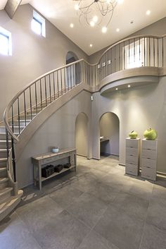 44 Ideas for grey tile stairs stairways Pole House, Pole Barn House Plans, Pole Barn Homes, White Staircase, Curved Staircase, Modern Staircase, Tile Stairs, House Stairs, Design Studio