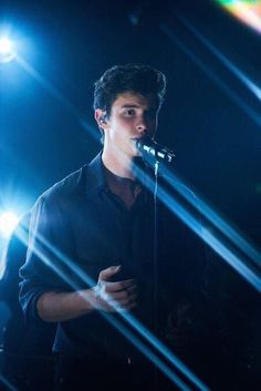 "Shawn mendes releases portuguese version of ""in my blood"" . Shawn Mendes Lindo, Shawn Mendes Tumblr, Shawn Mendes Quotes, Shawn Mendes Imagines, Fangirl, Kids In Love, Chon Mendes, Mendes Army, Shawn Mendes Wallpaper"
