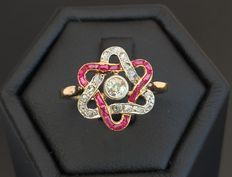 Zeldzame Art Nouveau (Jugendstil) ring van 18 kt goud, gekalibreerde robijnen en diamanten