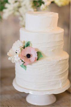 Lush green wedding ideas. Captured By: Ashley Ludaesher #weddingchicks http://www.weddingchicks.com/2014/10/07/lush-green-wedding-ideas/