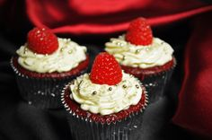 Red Carpet Party Cupcakes