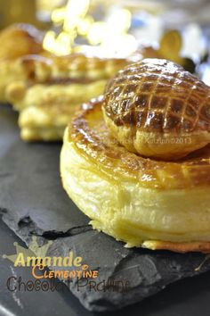 Minis galettes des Rois amande, chocolat ou clémentine Pasta, Camembert Cheese, Cheesecake, Dairy, Minis, Desserts, Food, Flat Cakes, Cooker Recipes