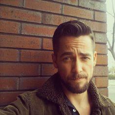 modrn pompadour hair style for men