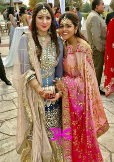 outfits for wedding? Indian Dress Up, Indian Attire, Indian Ethnic Wear, Indian Outfits, Designer Punjabi Suits, Indian Designer Outfits, Punjabi Dress, Pakistani Dresses, Mehendi Outfits
