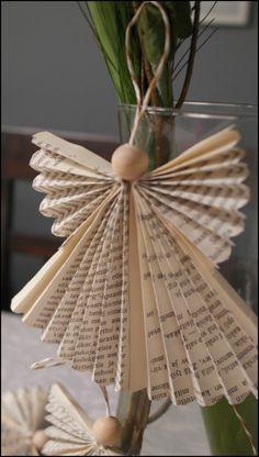 Joulukalenterin luukku Paperienkeli - Princess in Wonderland Christmas Crafts, Xmas, Angel Art, Old Books, Sculpture Art, Upcycle, Wonderland, Lily, Wreaths