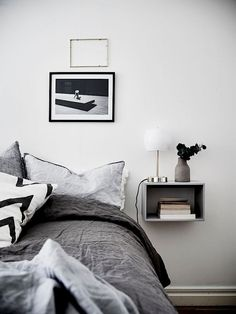*grey (love the bedside table !!)