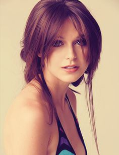 melissa benoist. I don't know her but she's wicked pretty
