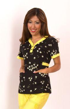 I love Koi Scrubs! Cute Nursing Scrubs, Cute Scrubs, Suit Fashion, Work Fashion, Work Uniforms, Nursing Uniforms, Scrubs Pattern, Koi Scrubs, Medical Scrubs