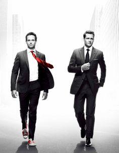 『SUITS』。スタイリッシュなニューヨーク弁護士ドラマ。死人が出ない、ネゴシエートのエンタメってのが良いですね。