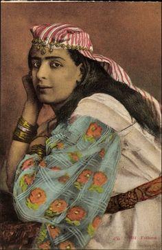 Ansichtskarte / Postkarte Fathma, Portrait einer jungen Frau, Armreifen…