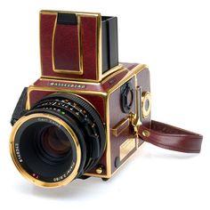 Used Hasselblad 503CW gold supreme w/80/2.8 CF & 12028 B