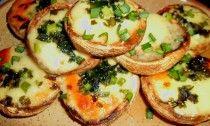 Töltött gomba – Erdélyi receptek Baked Potato, Potatoes, Baking, Drinks, Ethnic Recipes, Food, Potato, Essen, Bread