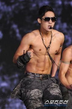 k-pop estar...!!!!!: sexys fotos de Kim Hyun Joong