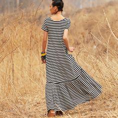Трикотажное платье прямого покроя в горизонтальную полоску 21150067 купить за 3580 руб. с доставкой по России, Украине, Беларуси и миру | Платья | Интернет-магазин одежды Liebo