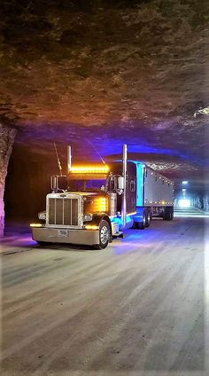 Wonderful Tens of millions of semi vehicles Best Picture For Concept Cars mazda For Your Taste You are looking for something, and it is going. Custom Peterbilt, Volvo Trucks, Peterbilt Trucks, Peterbilt 379, Show Trucks, Big Rig Trucks, Semi Trailer Truck, Dropped Trucks, Custom Muscle Cars