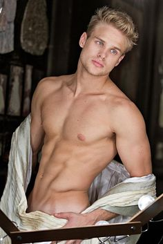 the site of the most beautiful men from around the world Eye Candy Men, Blonde Guys, Many Men, Male Photography, Male Form, Male Beauty, Perfect Man, Perfect Eyes, Gorgeous Men