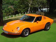 Puma GTE Coupé (1973)   Esportivos genuinamente nacionais que fizeram sucesso dentro e fora do Brasil. Longe de ser perfeito, o Puma tinha silhueta esportiva e mecânica simples, oriunda do Fusca. Mas era o objeto do desejo de muitos motoristas, sobretudo o conversível, um excelente amuleto na hora da paquera.