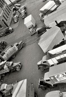 John Vachon Minneapolis, Minnesota 1939 Dump Trucks, Dodge Trucks, Old Trucks, Star Photography, Photography Sites, Antique Trucks, Vintage Trucks, Antique Photos, Old Photos