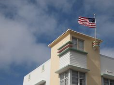 Art deco building #2 Miami Art Deco, Art Deco Buildings, Explore, Mansions, Architecture, House Styles, Design, Arquitetura, Manor Houses