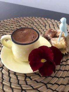 New good morning gm maya Coffee Is Life, I Love Coffee, My Coffee, Coffee Shop Bar, Coffee Cafe, Good Morning Coffee, Coffee Break, Café Chocolate, Cocoa Tea