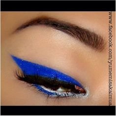 Simple but striking electric blue winged liner by Yumemi Sakai using #Sugarpill Royal Sugar eyeshadow! You can turn any of your Sugarpill loose eyeshadows into liquid eyeliner by applying with a mixing medium such as #OCC mixing medium or #Kryolan CEL sealer!