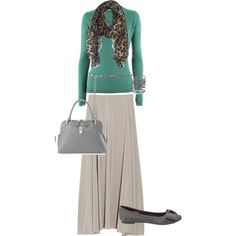 This is so modest, beautiful and simple...I want this very same outfit soon.