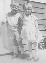 1931_nj_with_lester_03 Norma Jeane et Lester Bolender, son frère d'adoption vers 1931