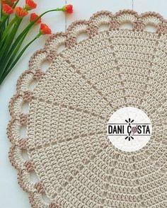 Crochet Blanket Border, Crochet Stitches For Blankets, Crochet Mat, Crochet Shell Stitch, Crochet Diagram, Crochet Round, Crochet Home, Crochet Placemat Patterns, Crochet Tablecloth