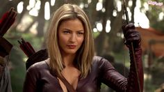 Google Image Result for http://images3.wikia.nocookie.net/__cb20110830002813/legend-of-the-seeker/images/a/aa/Miecz-prawdy-cara-wojowniczka-tabrett-bethell.jpg