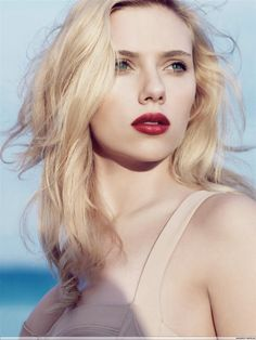 Scarlett Johansson - love this makeup on her <3